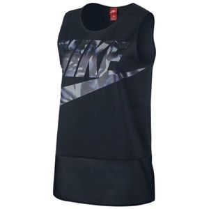 Nike Active Top Sporty Chic Logo Design Sz M